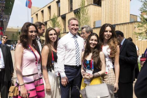 Igor Shuvalov all'ingresso del Padiglione Russia dell'Expo (Foto: Russia Expo 2015)