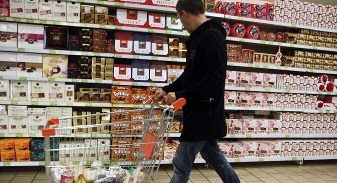 Il cioccolato, insieme ai fiori, è stato inserito nella lista dei nuovi prodotti di importazione da proibire (Foto: AFP / East News)