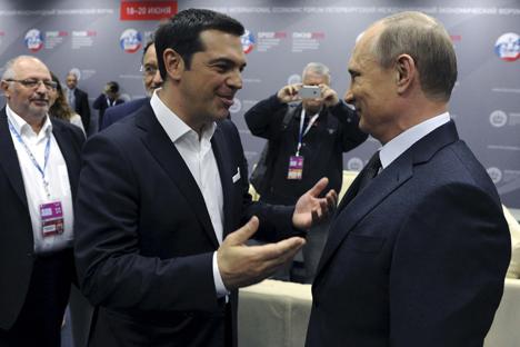 Il premier greco Alexis Tsipras con il Presidente russo Vladimir Putin (Foto: Reuters)