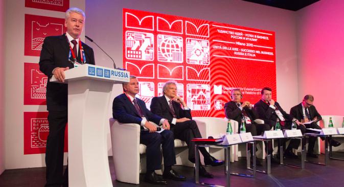 """Il sindaco di Mosca Sergei Sobyanin al forum """"L'unità delle idee, un successo aziendale"""", organizzato nel Padiglione Russia dell'Expo"""