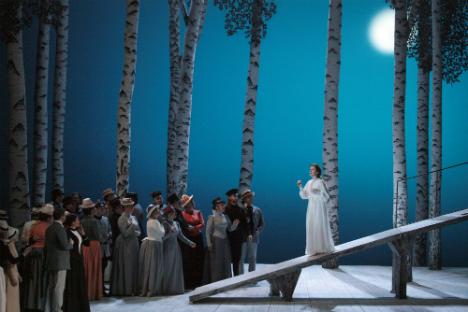"""Laura Claycomb nel ruolo di Amina nell'opera """"La Sonnambula"""" del Teatro Bolshoj"""