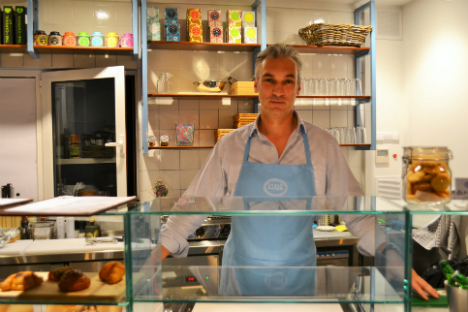 Giuseppe Viani, proprietario della gelateria.