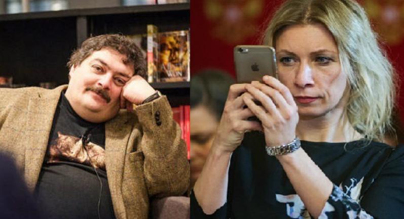 Lo scrittore Dmitrij Bykov, a sinistra, e la portavoce del Ministero degli Esteri Maria Zakharova.