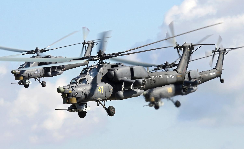 Mi-28s durante missão