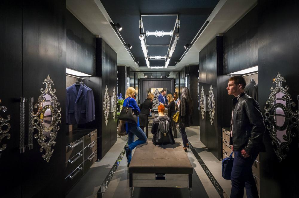 Alcuni articoli esposti al Salone del Mobile di Milano