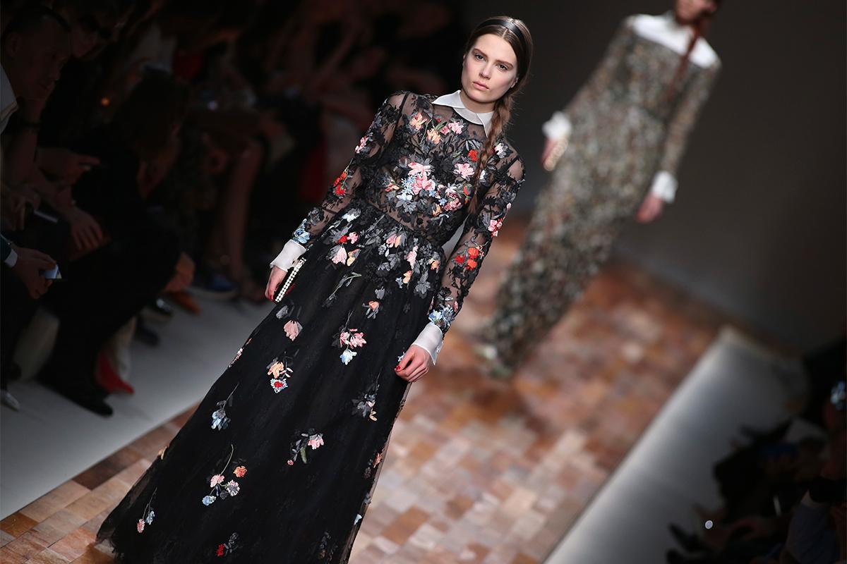Da un po' di tempo i motivi floreali russi sono diventati molto di moda per stilisti e fashion designer / Collezione autunno-inverno 2013-2014, Valentino
