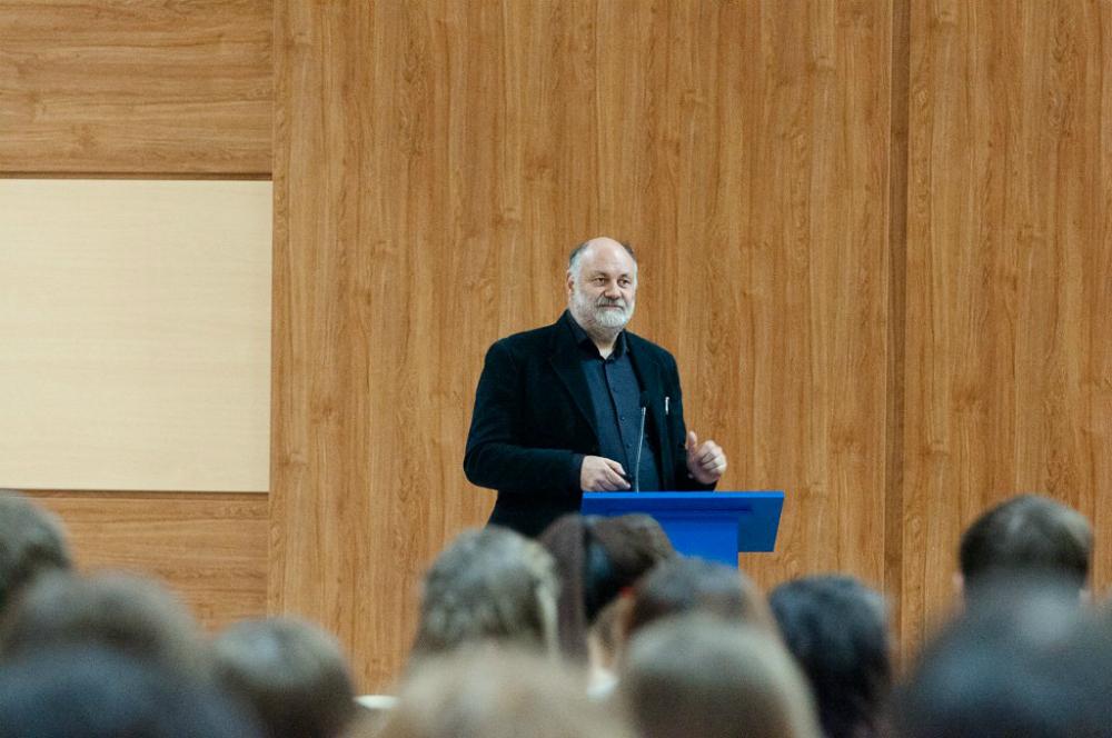 La presentazione del progetto all'Universitu00e0 di Vladivostok davanti a studenti e professori