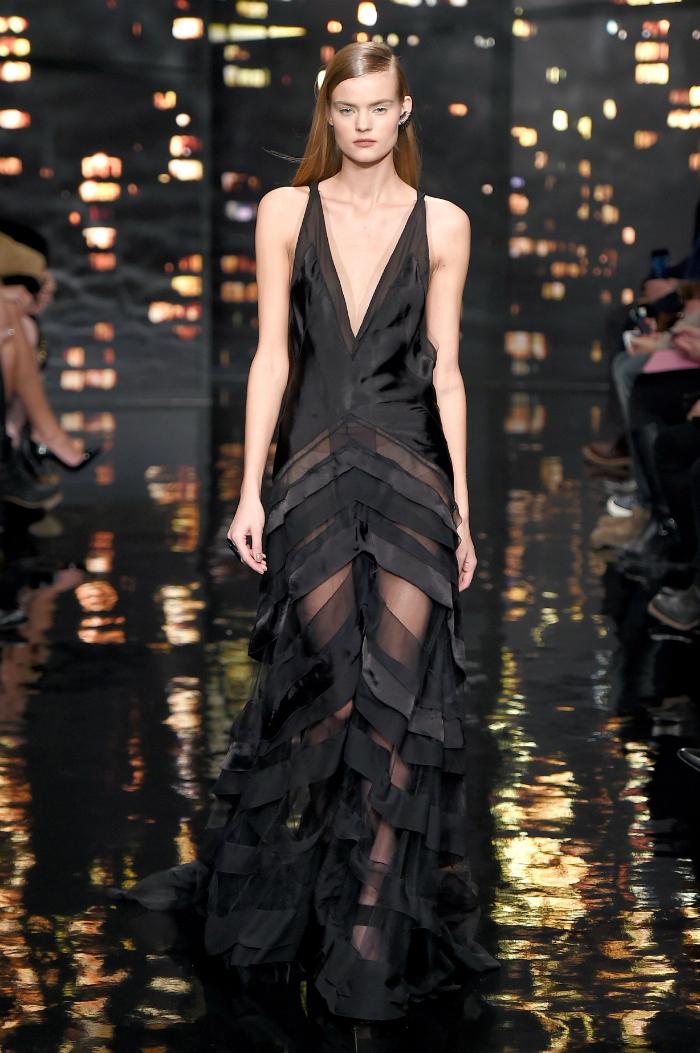 Una collaborazione terminata nel 2016 e che ha ceduto il posto alla modella danese Josephine Skriver