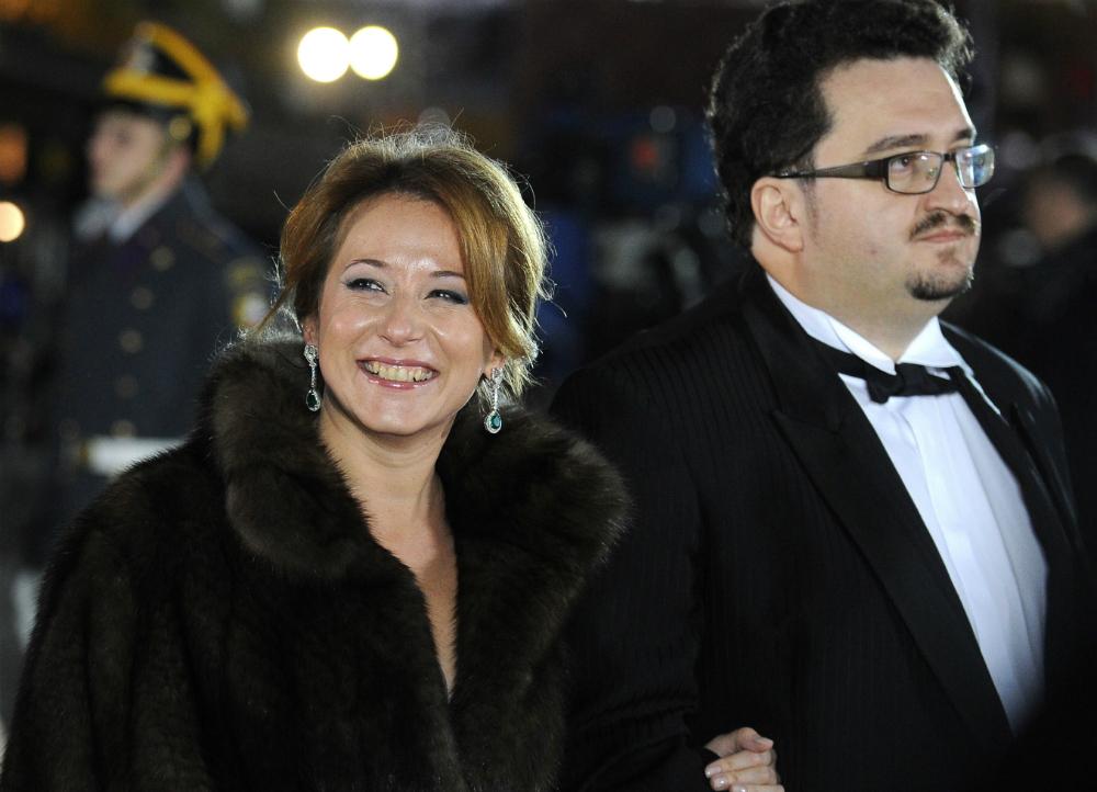 Natalia Timakova è capo ufficio stampa del premier della Federazione Russa. In precedenza era stata vice capo del Dipartimento di informazione governativa dell'apparato governativo della Federazione Russa, e addetta stampa del premier Putin (1999-2000)