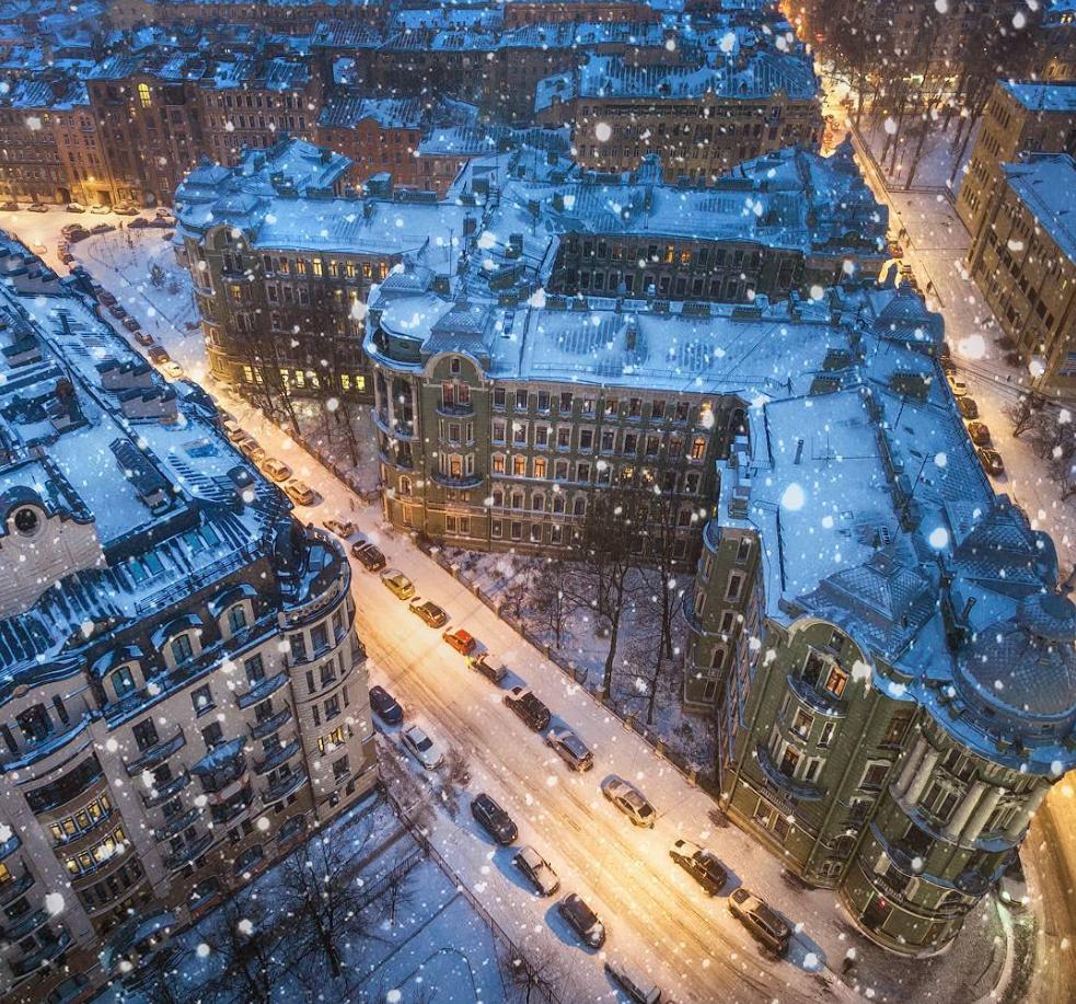 Il candido volto di una San Pietroburgo innevata
