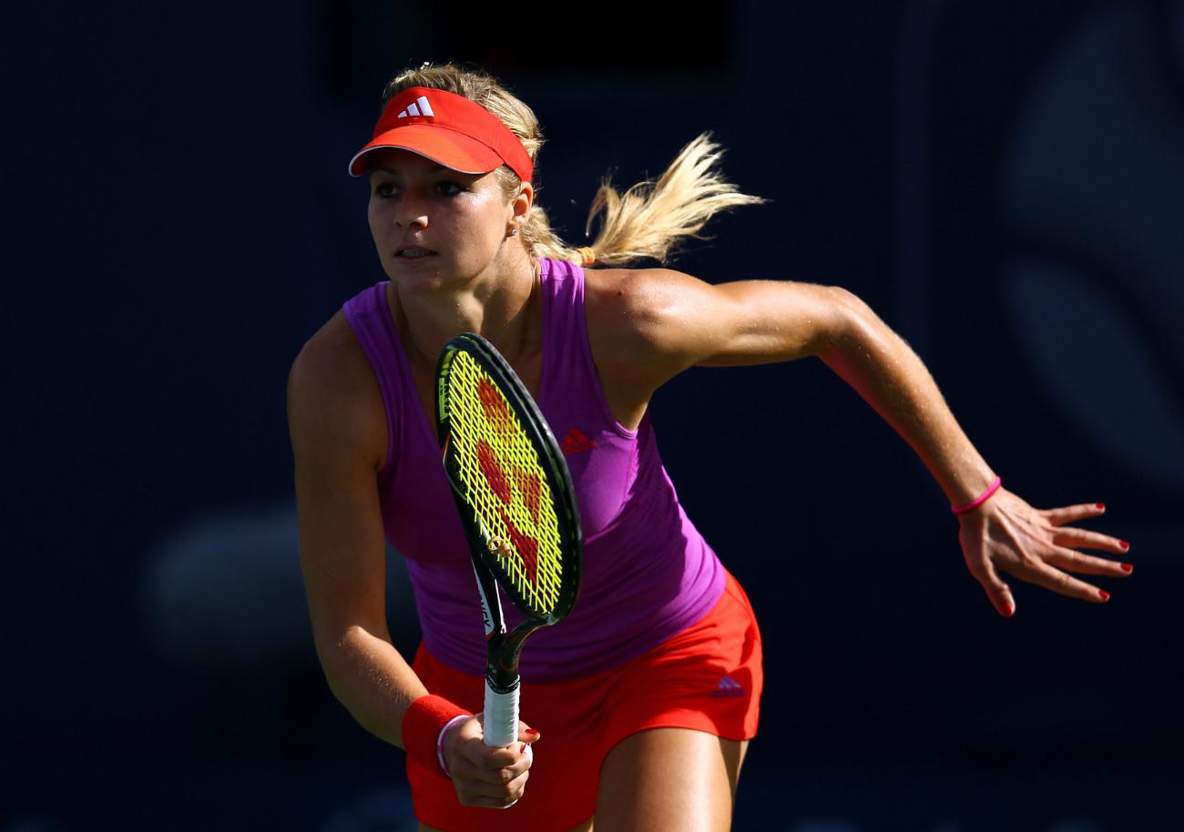 Nel 2002 è stata inserita nella top 100 dei migliori tennisti del pianeta. L'anno successivo ha vinto il suo primo grande torneo: il China Open