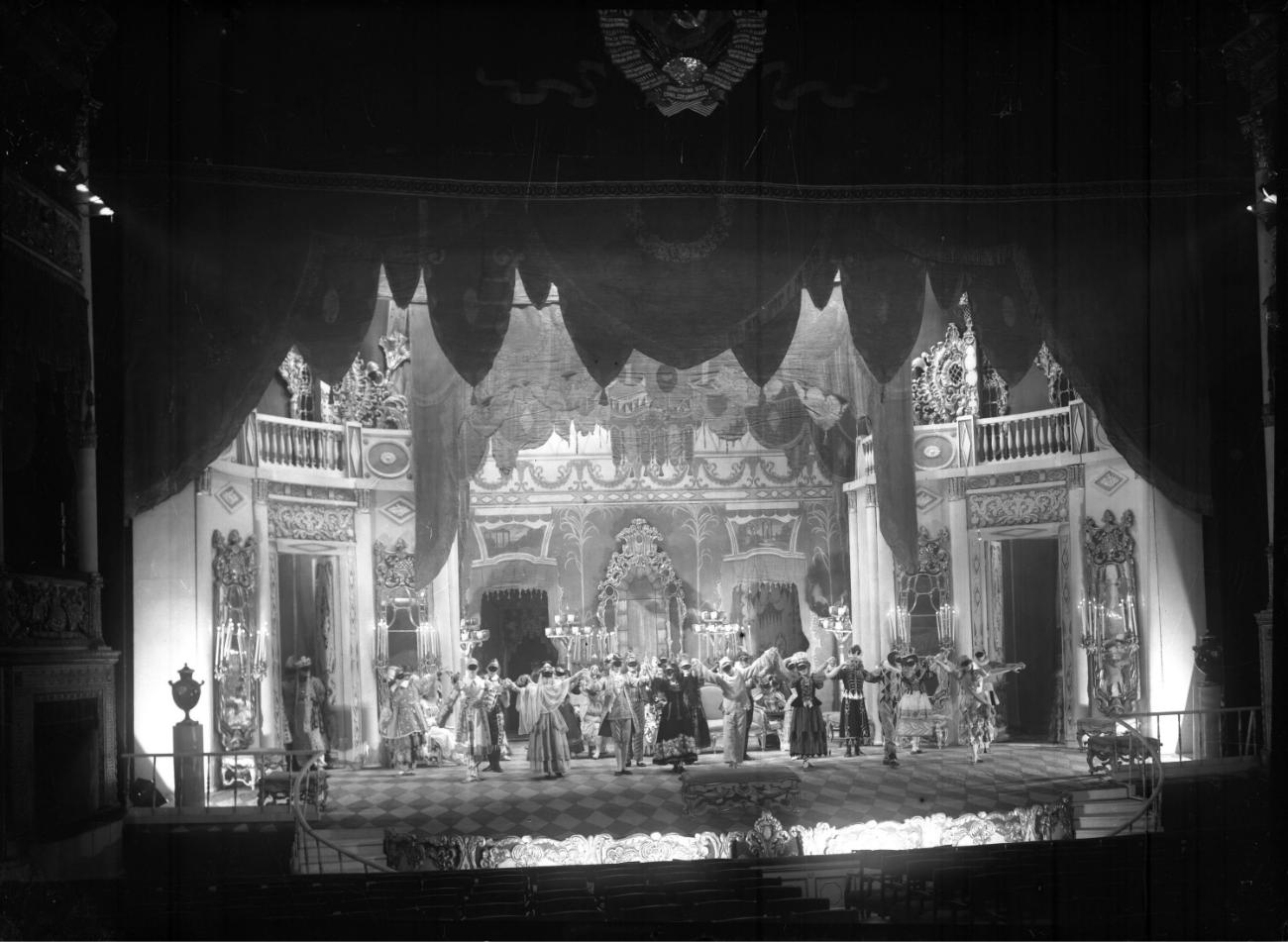 """Una scena tratta dallo spettacolo """"Ballo in maschera"""" di Lermontov, 1938. Fonte: ufficio stampa"""