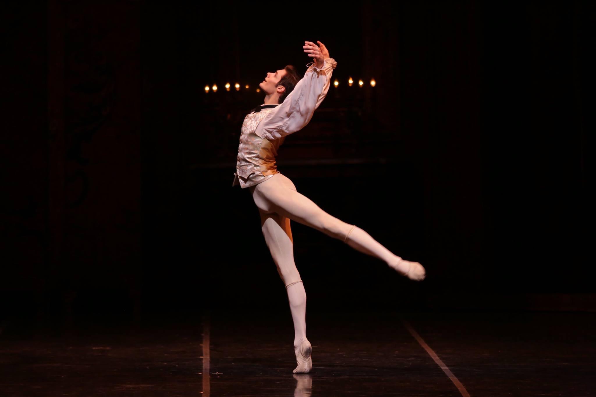 """Jacopo Tissi nel balletto """"L'histoire de Manon""""\n"""