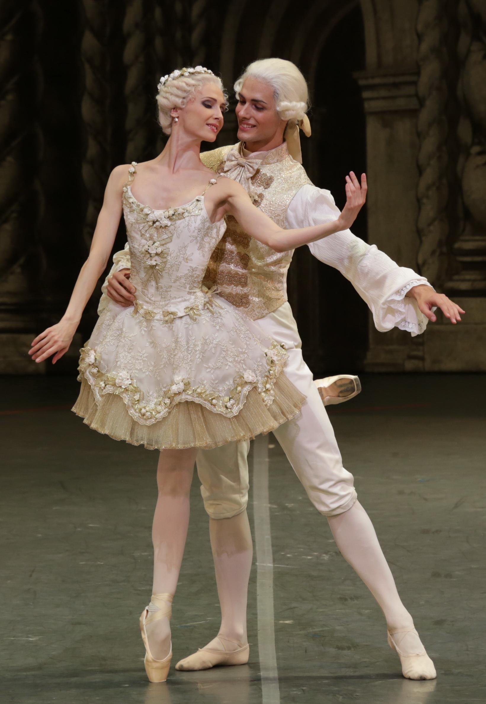 """Jacopo Tissi e Svetlana Zakharova in """"La Bella addormentata""""\n"""