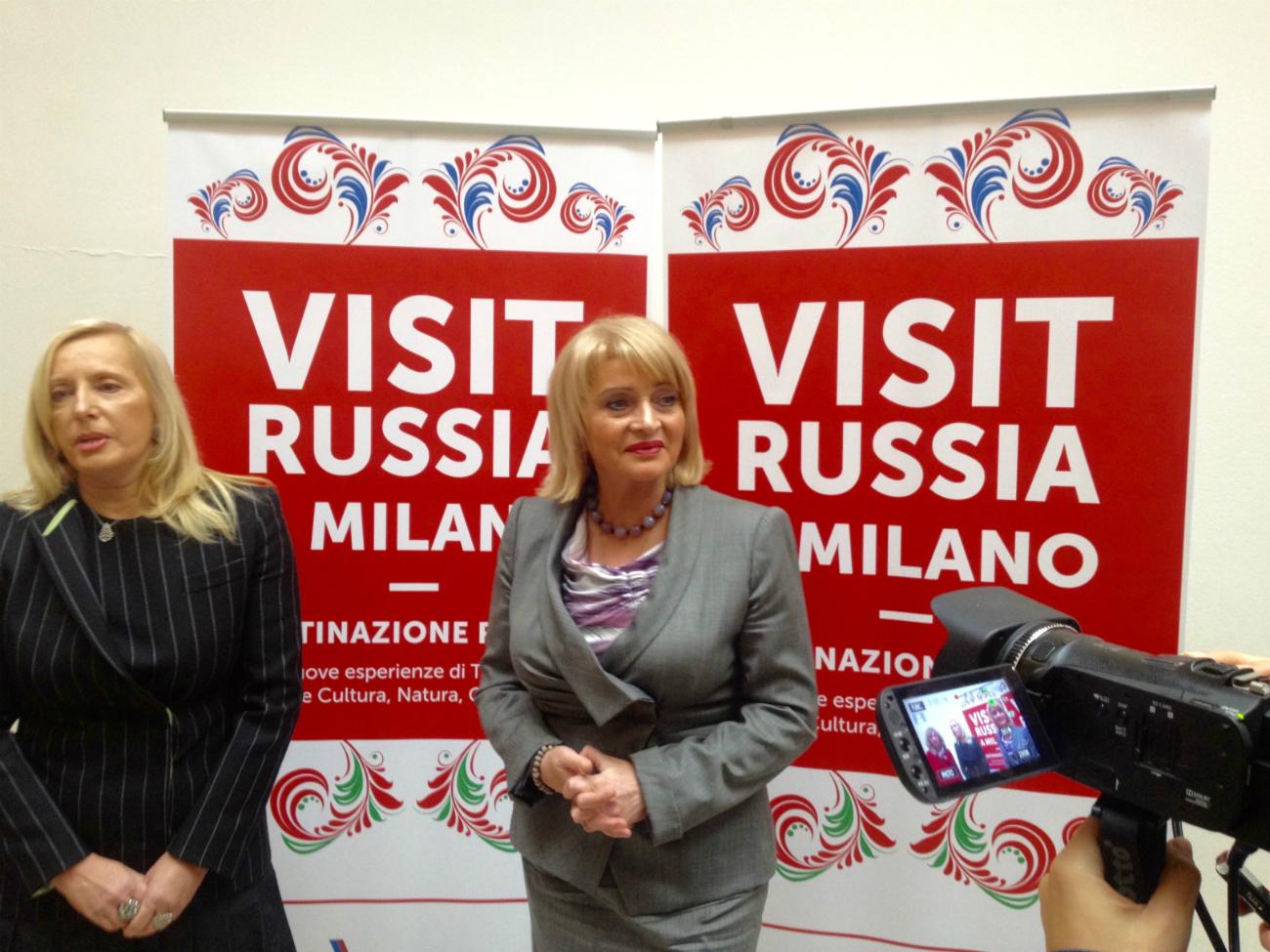 Il viceministro russo della Cultura e del Turismo Alla Manilova durante il taglio del nastro della nuova sede a Milano.