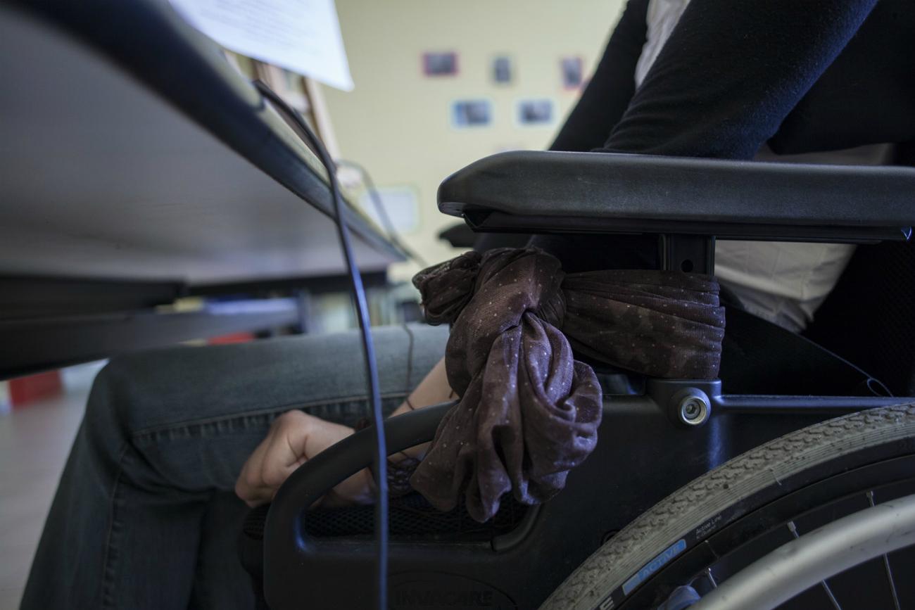 """L'obiettivo del reportage è proprio quello di raccontare """"ciò che sfugge all'occhio distratto dei più, storie di persone che ci passano accanto e di cui ignoriamo il disagio"""", in un Paese dove spesso le barriere architettoniche risultano un problema non solo per i disabili, ma anche per gli anziani"""