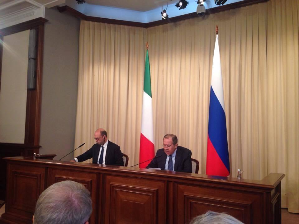 Il ministro italiano degli Esteri Angelino Alfano, a sinistra, con il suo omologo russo Sergej Lavrov. Fonte: Lucia Bellinello / Rbth