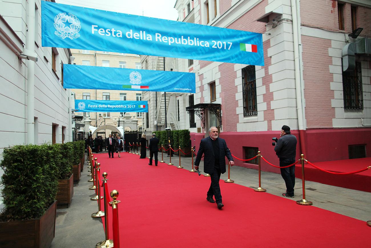 Anche quest'anno nella residenza dell'Ambasciata italiana a Mosca si è celebrata la Festa della Repubblica
