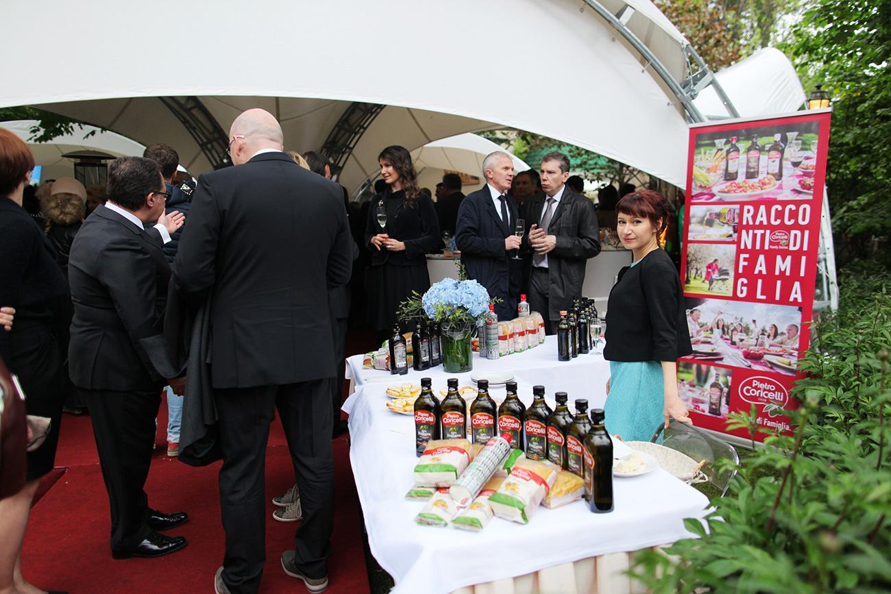 """""""Quest'estate Mosca ospiterà un numero di mostre di grandi pittori italiani da fare invidia persino all'Italia"""", ha dichiarato l'ambasciatore Cesare Maria Ragaglini"""