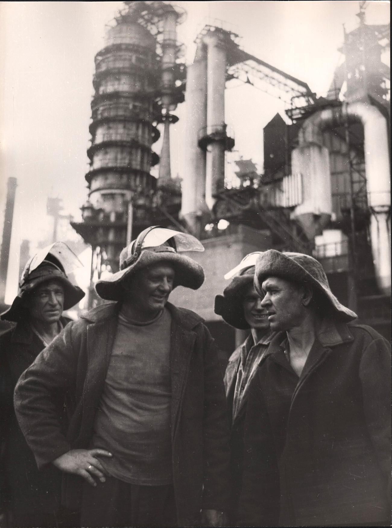 Il Fondo fotografico conserva oltre 5.000 immagini originali che ritraggono l'Urss tra il 1950 e il 1990