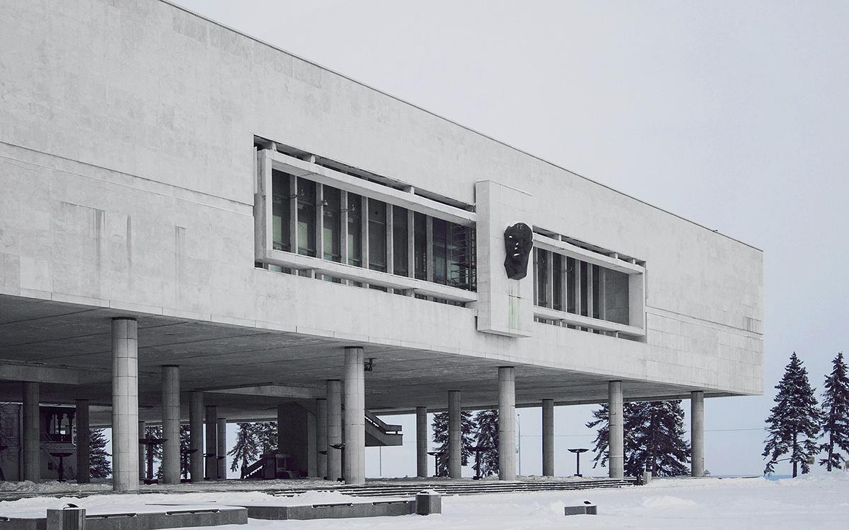 Le musée de Vladimir Lénine à Oulianovsk (ville natale du dirigeant soviétique) ouvrit ses portes en 1970, à l'occasion du centenaire de sa naissance. La construction avait été précédée d'une étude minutieuse des lieux où avait habité la famille de Lénine. On découvrit que les Oulianov habitaient plusieurs maisons différentes. Les bâtiments purent être conservés au sein du mémorial.