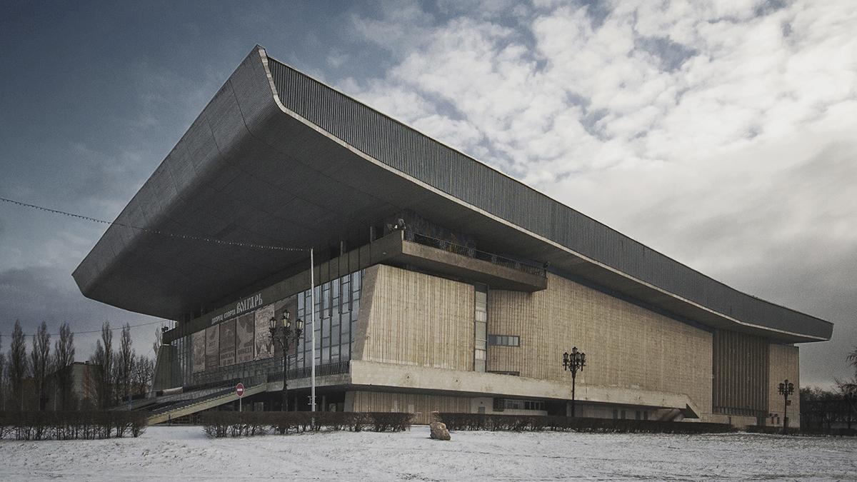 Le palais des sports Volgar à Togliatti fut conçu par l'architecte I. Karpoukhine en 1968-1969. Il ouvrit ses portes au public en 1975. Le palais comprend des arènes, des salles de jeu et des gymnases, ainsi qu'une salle de concert.