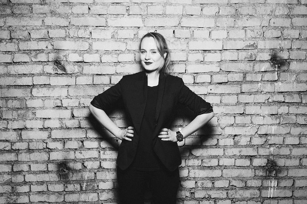 """Per una settimana il festival """"Geometry of Now"""" ha riportato in vita gli spazi abbandonati della centrale con musica e performance artistiche dal vivo / Nella foto, Greta Mavica, organizzatrice del festival"""