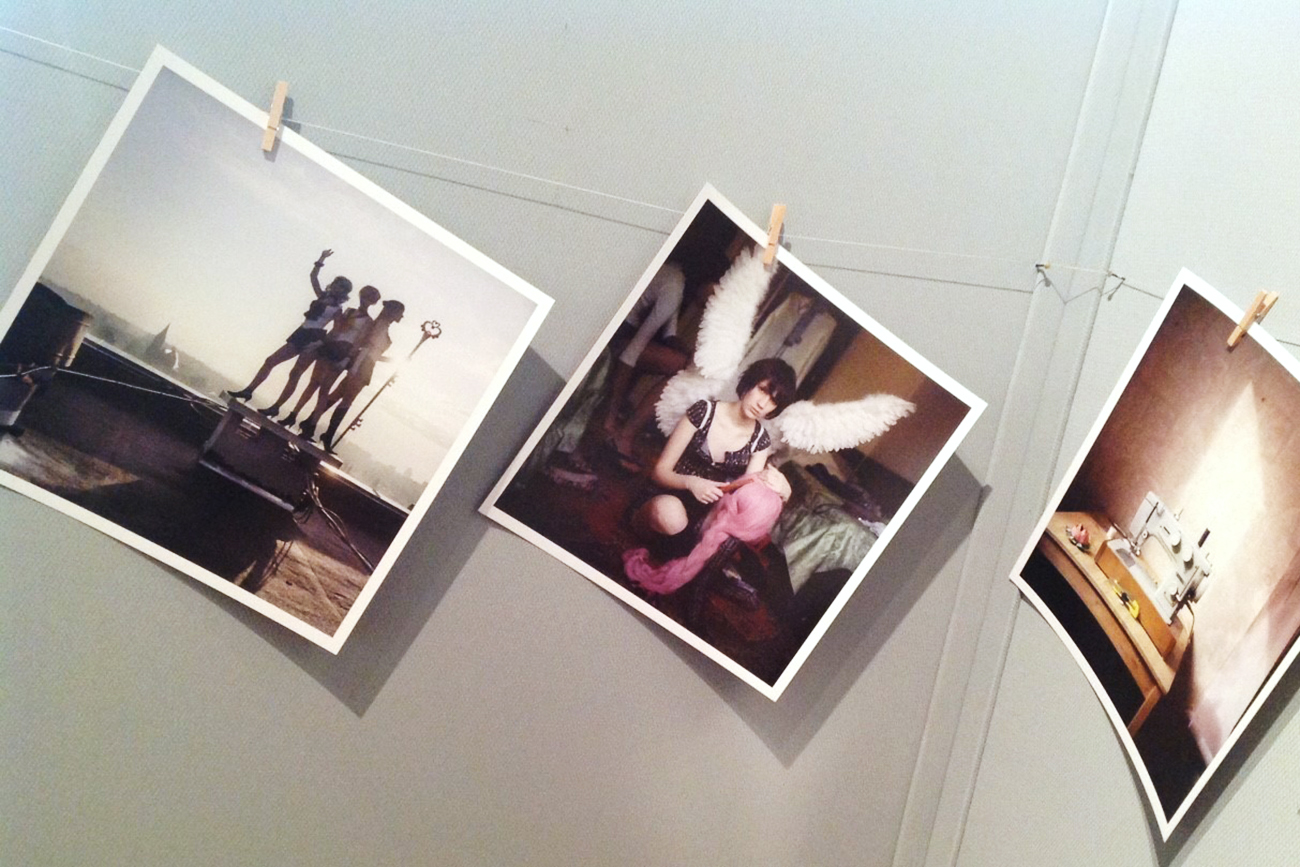 """Mariya Kozhanova (Kaliningrad). Sua la sua serie """"Declared Detachment"""" dedicata a quei giovani russi che hanno abbracciato la cultura giapponese di cosplay. Un fenomeno non solo di moda, ma da studiare anche dal punto di vista sociologico"""