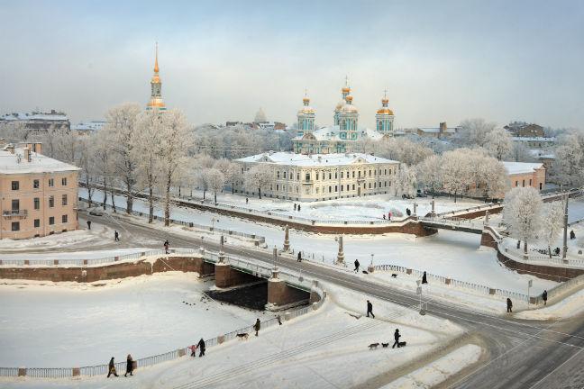 Zima v Sankt Peterburgu.