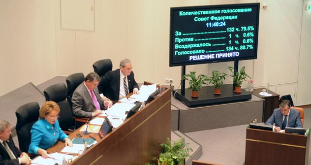 「プーチン大統領が法案に署名を行う前に、すべての意見を検討の対象にすると考えている」 =タス通信撮影