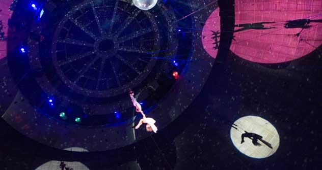 伝統誇るロシアのサーカス。大人も子供も家族そろって楽しめる娯楽だ =PressPhoto撮影