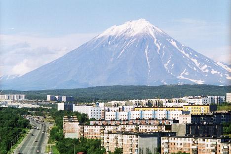 カムチャツカのアヴァチンスカヤ山 =アレクサンダー・リースキン/ロシア通信撮影