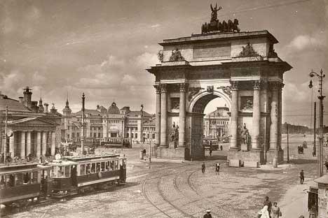 凱旋広場、1920年代=写真提供:ウィキペディア