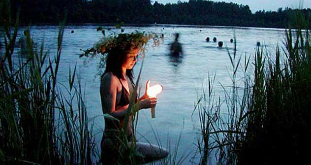 スベトロヤール湖は、昔から多くの伝説や噂につつまれていた。=タス通信撮影
