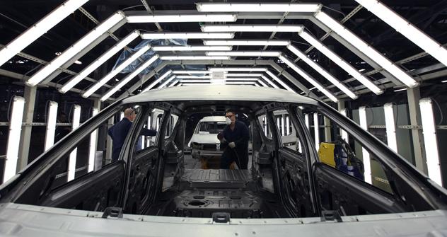 ルノー・日産と3社連合を組むことになったアフトワズの工場 =Reuters撮影