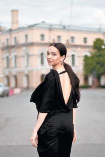 世界各地での公演に忙しいビシニョーワだが、彼女には故郷サンクトペテルブルクのマリインスキー劇場という落ち着く場所がある。=オクサーナ・ビシュネベツカヤ撮影