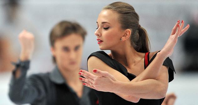 ヴィクトリヤ・シニツィナとルスラン・ジガンシン組が銅メダルを手にした =ロシア通信撮影