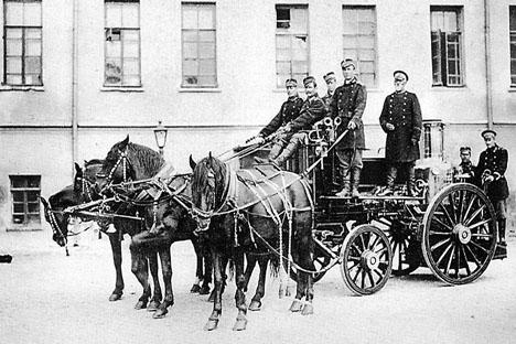 モスクワの消防隊、1900年。