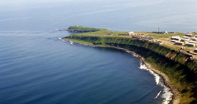 クリル列島の一番南の国後島 =アレクセイ・ポリャコフ