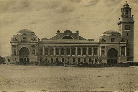 モスクワのキエフ駅(旧ブリャンスク駅)、1918年  写真提供:wikipedia.org