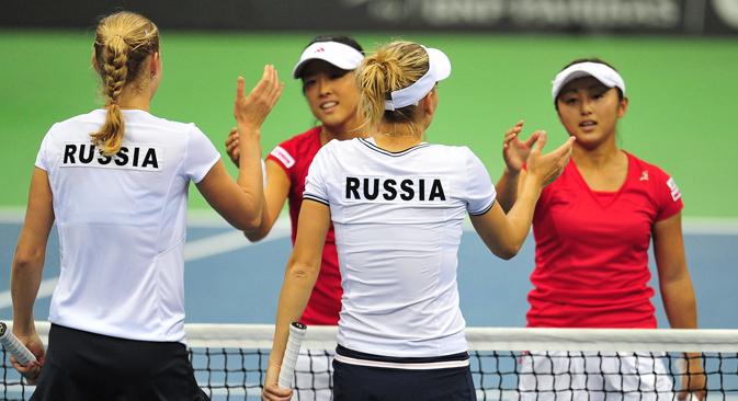 ベスニナとマカロワは見事な戦いぶりを見せ、対戦相手の森田と土居美咲に隙を与えなかった =ロシア通信撮影