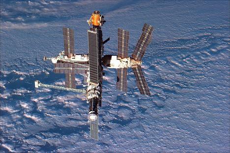 ソ連の宇宙ステーション「ミール」 写真提供:NASA