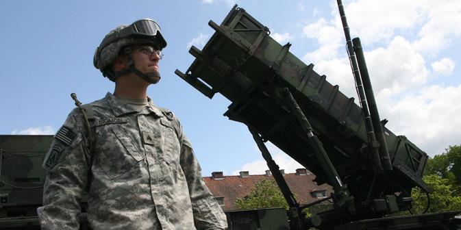 ポーランドのモロンクに展開された、アメリカのパトリオットミサイルのバッテリー。モロンクは、ロシア西部のカリーニングラード州の国境から60キロ地点に位置する。=イゴリ・ザレンボ撮影/ロシア通信