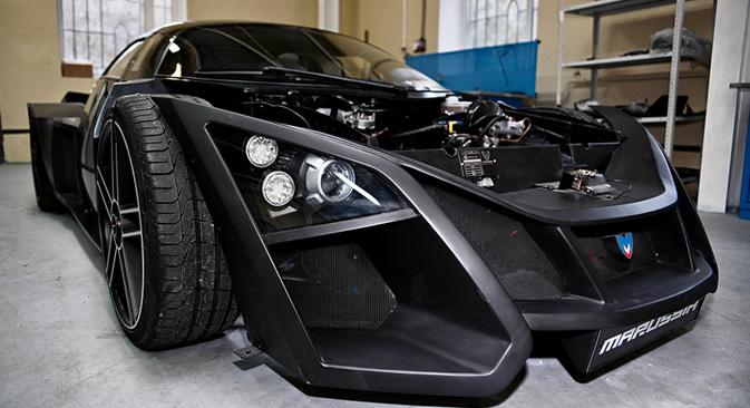 「マルシア・モータース」のスポーツカー。=ルスラン・スフーシン撮影