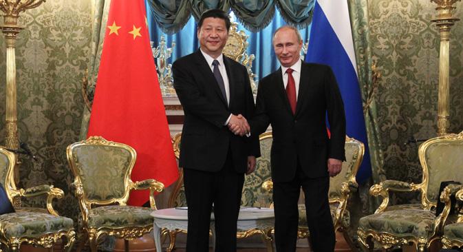 プーチン大統領は、「露中両国の多面的な協力関係は、両国民の根本的な利益に適うものであり、両国民の意識的な、かつ歴史的な選択だ」と述べた。=「ロシースカヤ・ガゼタ」撮影
