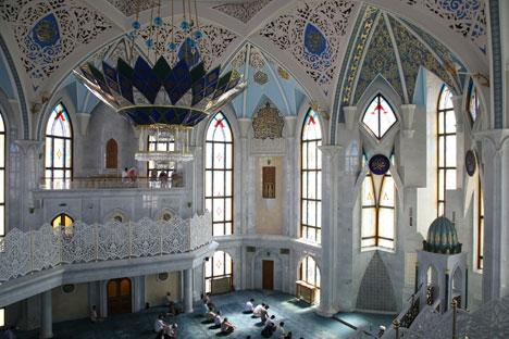 クール・シャリフモスクの内部、Lori/Legion Media