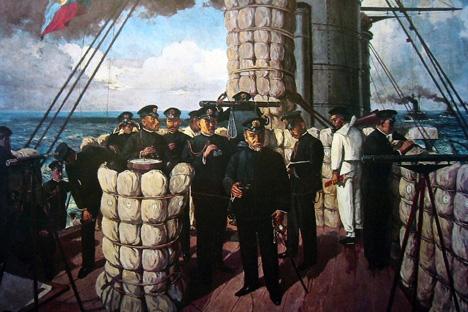 連合艦隊旗艦三笠艦橋で指揮をとる東郷平八郎大将。