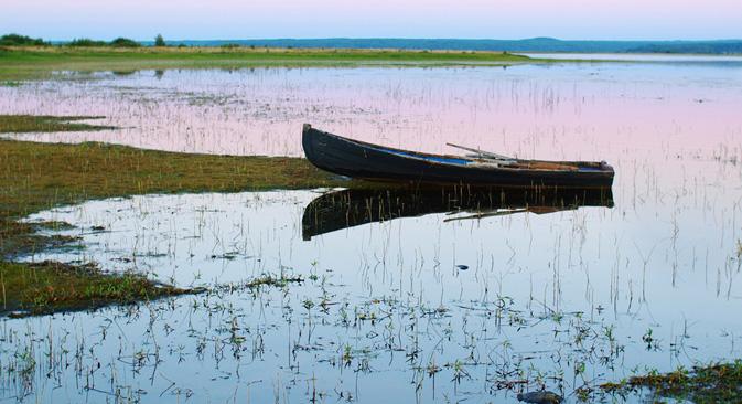 アルハンゲリスクは、ちょうど北ドヴィナ川が北海に注ぐ地点にある。北極圏内に位置するこの都市は、モスクワから1,000 km近く離れている。=イワン・マルキン撮影