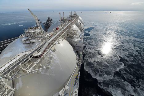 クリル諸島の大陸棚に、87兆立方メートルにのぼるメタンハイドレートが埋蔵されている可能性がある =ロシア通信撮影