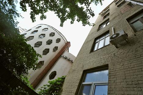 コンスタンチン・メーリニコフの邸宅=コメルサント紙撮影
